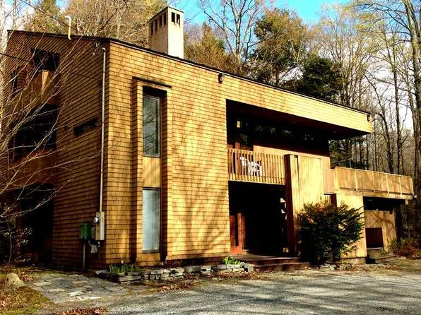 4 bed 3.5 bath Single Family at 19 Roaring Brook Rd Killington, VT, 05751 is for sale at 415k - 1 of 20