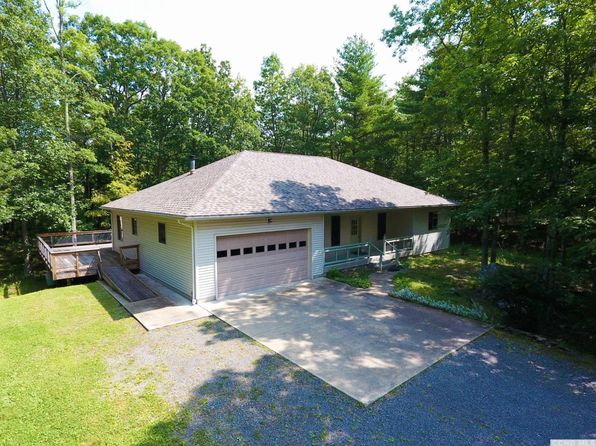 2 bed 3 bath Single Family at 115 Foxfire Rd Round Top, NY, 12473 is for sale at 375k - 1 of 77