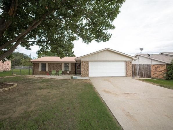 3 bed 2 bath Single Family at 1811 Oak Hill Dr Corinth, TX, 76210 is for sale at 170k - 1 of 21