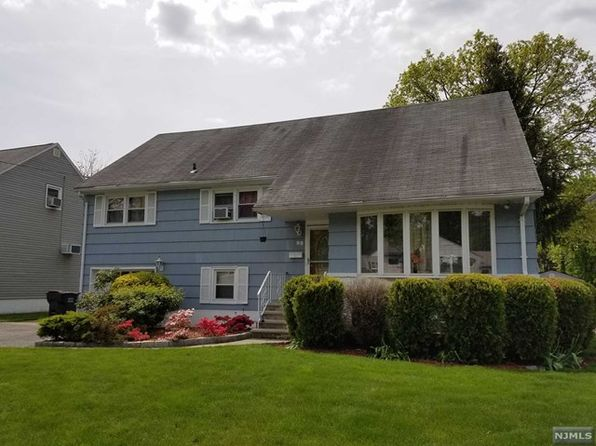 4 bed 2 bath Single Family at 98 Deerfield St Bergenfield, NJ, 07621 is for sale at 419k - 1 of 24
