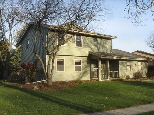 3 bed 3 bath Single Family at 1128 N Glenwood Cir West Bend, WI, 53090 is for sale at 254k - 1 of 19