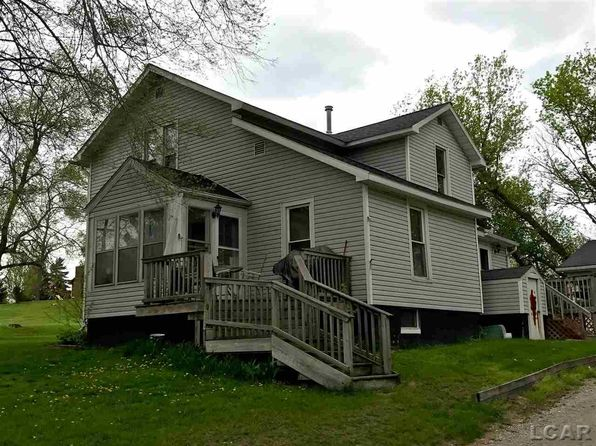 4 bed 1 bath Single Family at 1604 Oakwood Ave Adrian, MI, 49221 is for sale at 105k - 1 of 4