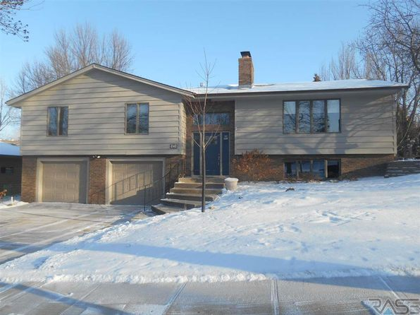 3 bed 3 bath Single Family at 404 E Plum Creek Rd Sioux Falls, SD, 57105 is for sale at 265k - 1 of 22