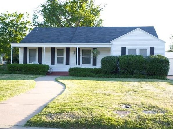 3 bed 2 bath Single Family at 601 N 3rd St Ballinger, TX, 76821 is for sale at 140k - 1 of 15