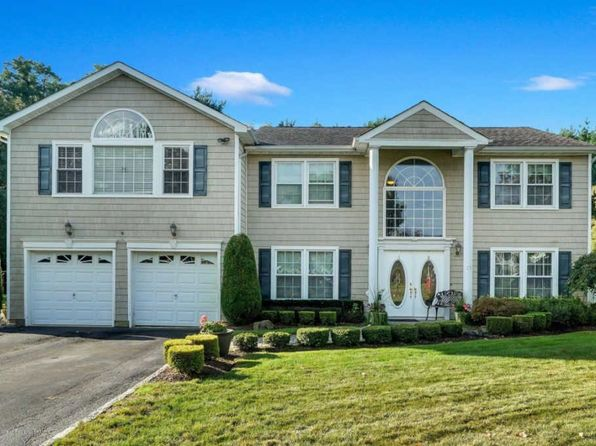 4 bed 3 bath Single Family at 34 Bayberry Dr Holmdel, NJ, 07733 is for sale at 649k - 1 of 26