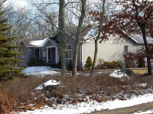 3 bed 2 bath Single Family at 101 Pinto Ln Lords Valley, PA, 18428 is for sale at 240k - 1 of 35