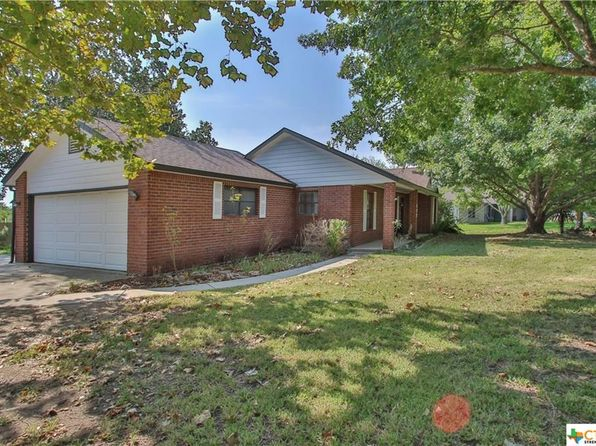 3 bed 2 bath Single Family at 377 Skytrail Dr New Braunfels, TX, 78130 is for sale at 230k - 1 of 27