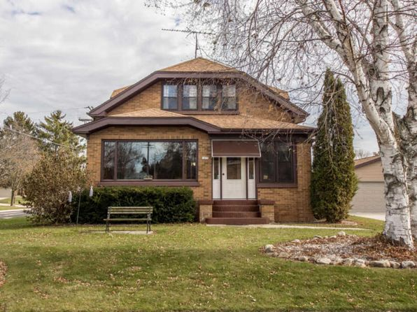 4 bed 1.5 bath Single Family at 1055 Elm St Cleveland, WI, 53015 is for sale at 180k - 1 of 23