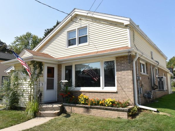 3 bed 1 bath Single Family at 208 S Jefferson St Waterford, WI, 53185 is for sale at 150k - 1 of 25