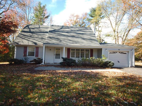 4 bed 2 bath Single Family at 63 Maxwell Ln Manalapan, NJ, 07726 is for sale at 380k - 1 of 29