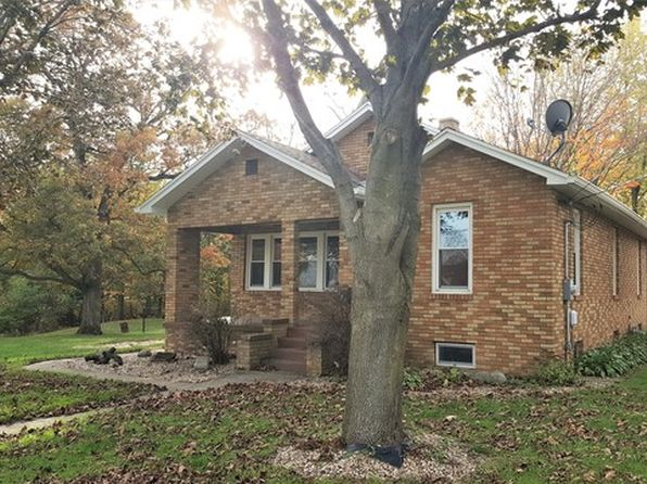 4 bed 2 bath Single Family at 909 W Dakota St Spring Valley, IL, 61362 is for sale at 140k - 1 of 15