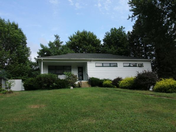 3 bed 1 bath Single Family at 414 Summit Ave South Abington Township, PA, 18411 is for sale at 155k - 1 of 15