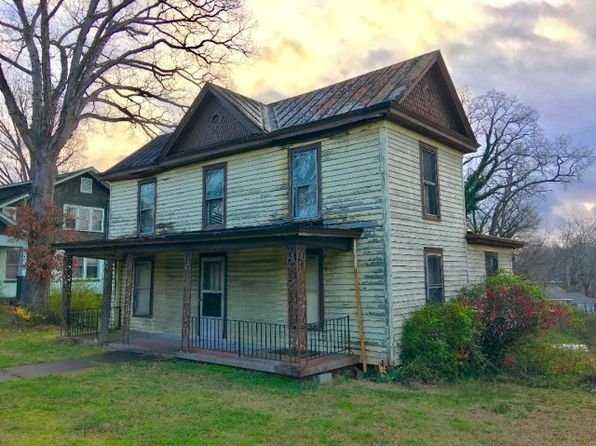 3 bed 2 bath Single Family at 508 E Church St Martinsville, VA, 24112 is for sale at 10k - google static map