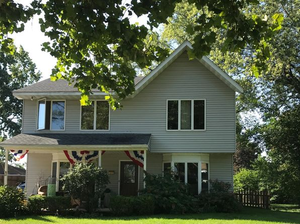 4 bed 3 bath Single Family at 3003 Thrush Ln Rolling Meadows, IL, 60008 is for sale at 319k - 1 of 10