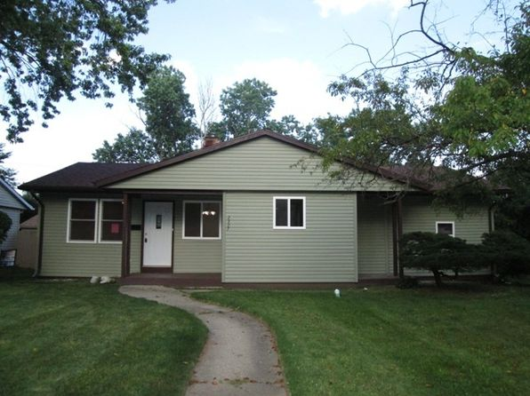 3 bed 3 bath Single Family at 2327 N Lewis Ave Waukegan, IL, 60087 is for sale at 148k - 1 of 18