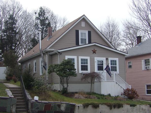 3 bed 1 bath Single Family at 78 MAIN ST ACUSHNET, MA, 02743 is for sale at 249k - 1 of 18