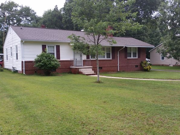3 bed 1 bath Single Family at 711 N Adair St Clinton, SC, 29325 is for sale at 115k - 1 of 37