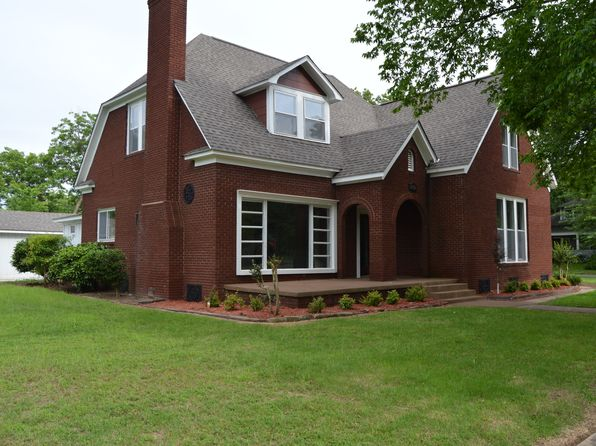 5 bed 3 bath Single Family at 713 S Commerce Ave Russellville, AR, 72801 is for sale at 230k - google static map