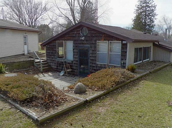 3 bed 1 bath Single Family at 203 S Main St Dundee, IA, 52038 is for sale at 40k - 1 of 12