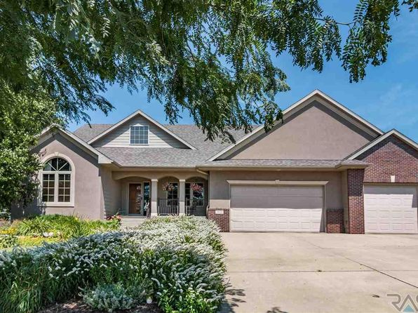 5 bed 4 bath Single Family at 5820 S Frontier Trl Sioux Falls, SD, 57108 is for sale at 425k - 1 of 31