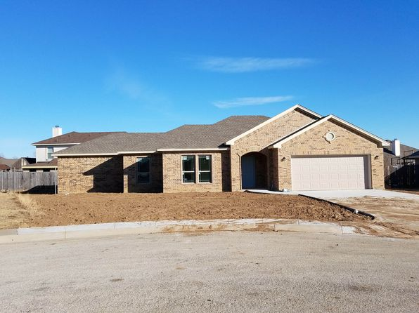 3 bed 2 bath Single Family at 109 Kensington Ct Rhome, TX, 76078 is for sale at 195k - google static map