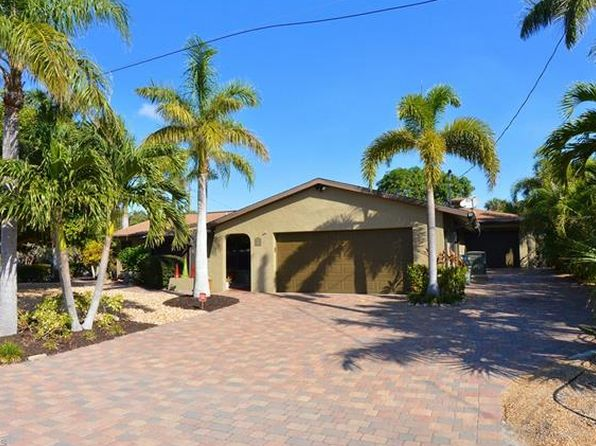 3 bed 2 bath Single Family at 7871 BUCCANEER DR FORT MYERS BEACH, FL, 33931 is for sale at 660k - 1 of 25