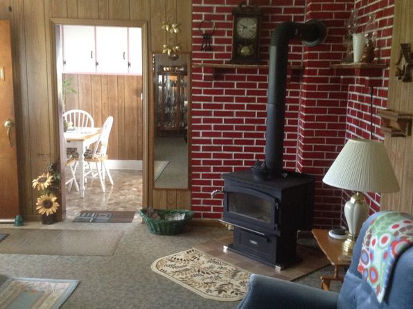 3 bed 1 bath Multi Family at 124 Vern Shell Rd Roan Mountain, TN, 37687 is for sale at 325k - 1 of 29