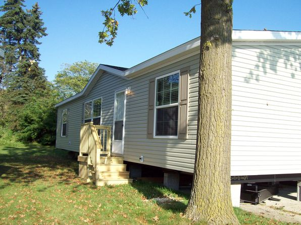 3 bed 2 bath Single Family at 49684 Au Lac Dr W Chesterfield, MI, 48051 is for sale at 63k - 1 of 7