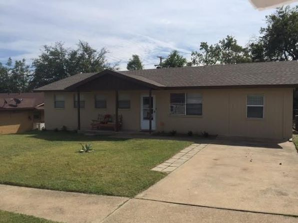 4 bed 2 bath Single Family at 8109 Tumbleweed Trl White Settlement, TX, 76108 is for sale at 129k - 1 of 13