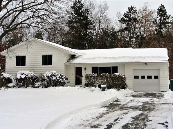 3 bed 1.5 bath Single Family at 4 Vincent Dr Pittsford, NY, 14534 is for sale at 160k - 1 of 24