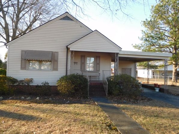 2 bed 1 bath Single Family at 725 Rapids St Roanoke Rapids, NC, 27870 is for sale at 64k - 1 of 24