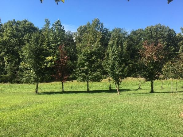 3 bed 1 bath Single Family at 200 Flat Iron Rd Montross, VA, 22520 is for sale at 269k - 1 of 8