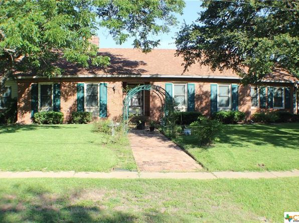 3 bed 2 bath Single Family at 900 Avenue E Moody, TX, 76557 is for sale at 159k - 1 of 26
