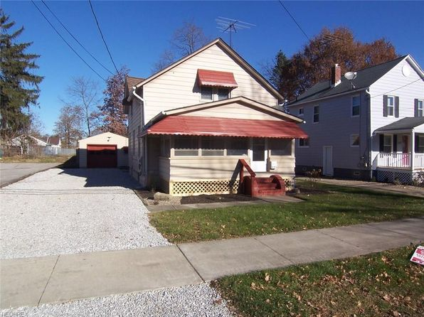 2 bed 2 bath Single Family at 1371 Benton St Barberton, OH, 44203 is for sale at 68k - 1 of 19