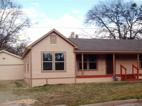 3 bed 2 bath Single Family at 314 E 15th St Bonham, TX, 75418 is for sale at 145k - 1 of 20