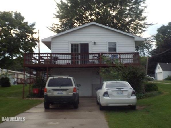 2 bed 2 bath Single Family at 804 N Jefferson St Mount Carroll, IL, 61053 is for sale at 41k - 1 of 13