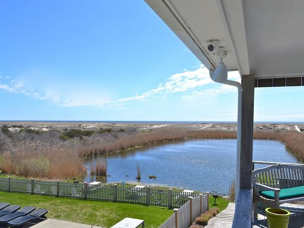 1 bed 1 bath Cooperative at 379 Bluff Rd Amagansett, NY, 11930 is for sale at 599k - 1 of 7