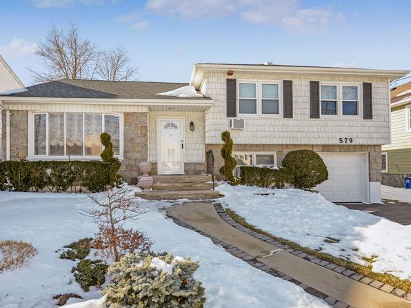3 bed 3 bath Single Family at 579 Church Ave Woodmere, NY, 11598 is for sale at 678k - 1 of 22