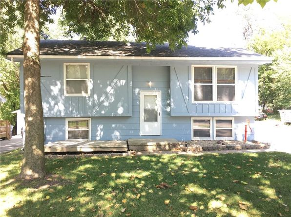 3 bed 1 bath Single Family at 220 E Payton Ave Des Moines, IA, 50315 is for sale at 115k - 1 of 11