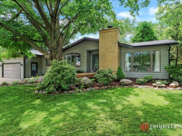 4 bed 2 bath Single Family at 532 Thorndale Ave Elk Grove Village, IL, 60007 is for sale at 425k - 1 of 16