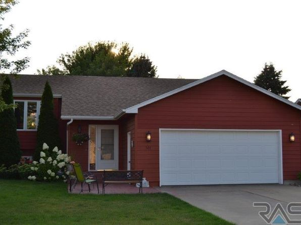 4 bed 2 bath Single Family at 101 N Hampton Ave Sioux Falls, SD, 57110 is for sale at 210k - 1 of 31