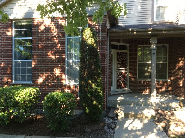 2 bed 3 bath Townhouse at 6663 Pine Lake Dr Tinley Park, IL, 60477 is for sale at 185k - 1 of 18