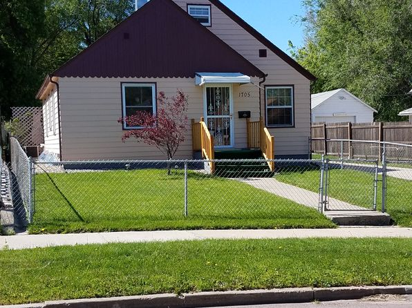 3 bed 2 bath Single Family at 1705 W 10th St Sioux Falls, SD, 57104 is for sale at 110k - google static map