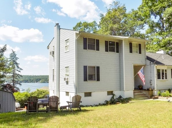 3 bed 2 bath Single Family at 23 Bonaparte Point Rd Hopatcong, NJ, 07843 is for sale at 300k - 1 of 25
