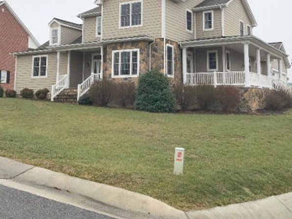 4 bed 4 bath Single Family at 1755 W Monroe St Wytheville, VA, 24382 is for sale at 303k - 1 of 18