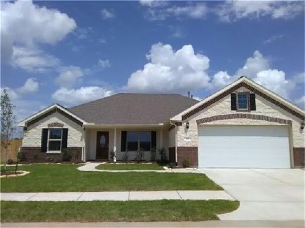 3 bed 2 bath Single Family at 610 Dogwood Ct Sealy, TX, 77474 is for sale at 215k - 1 of 10
