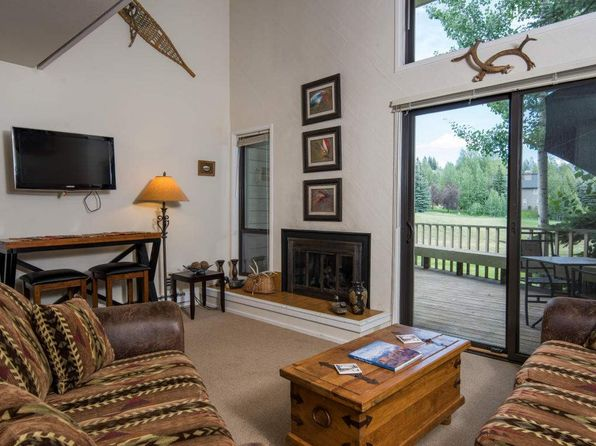 2 bed 2 bath Condo at 2275 Bonne Vie Dr Sun Valley, ID, 83353 is for sale at 300k - 1 of 8