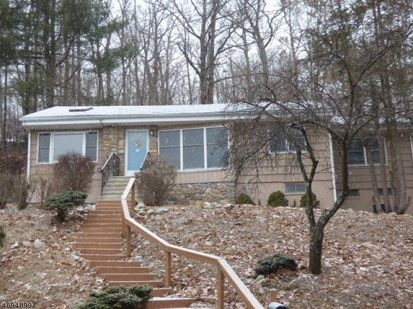 3 bed 1 bath Single Family at 102 W Lake Shore Dr Rockaway, NJ, 07866 is for sale at 237k - 1 of 13