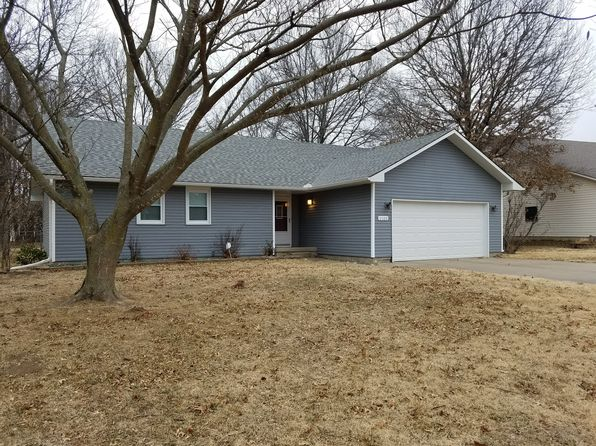 3 bed 2 bath Single Family at 1101 Canterbury Rd Pittsburg, KS, 66762 is for sale at 155k - 1 of 32