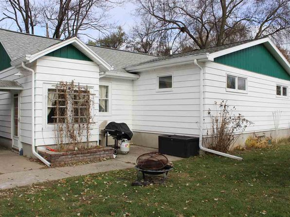 3 bed 1 bath Single Family at 201 W Mulberry St Baraboo, WI, 53913 is for sale at 130k - 1 of 23